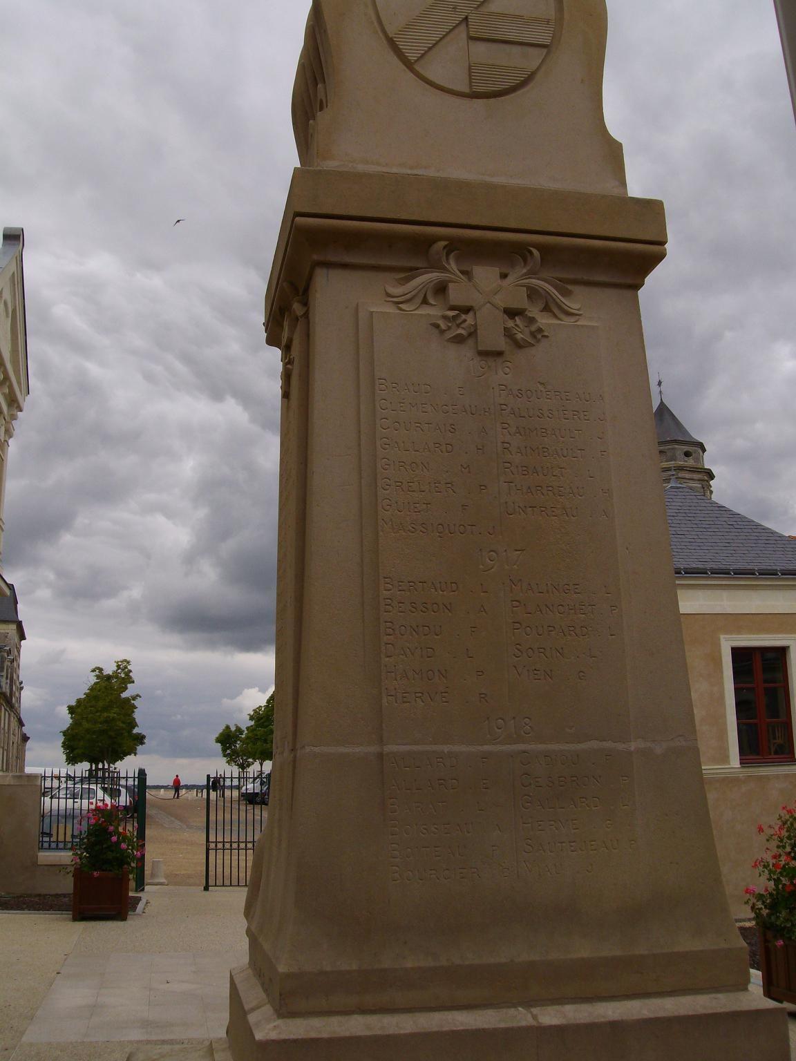 Monument aux Morts de St-Florent-le-Vieil